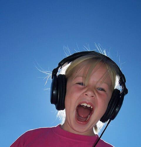 headphones-5017507